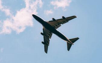 vliegtuig op vakantie
